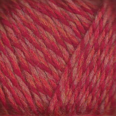 Paradise Fibers Lamb's Pride Superwash Worsted Cranberry
