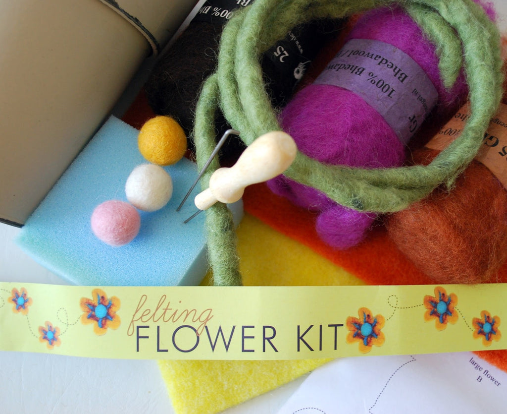 De Witte Engel Felting Flower Kit  - 1