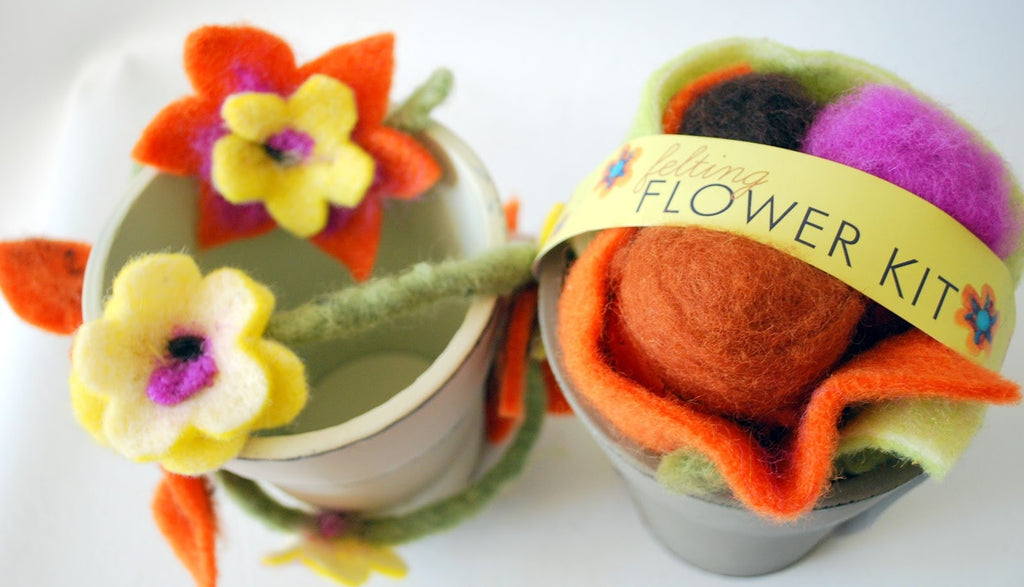 De Witte Engel Felting Flower Kit  - 2