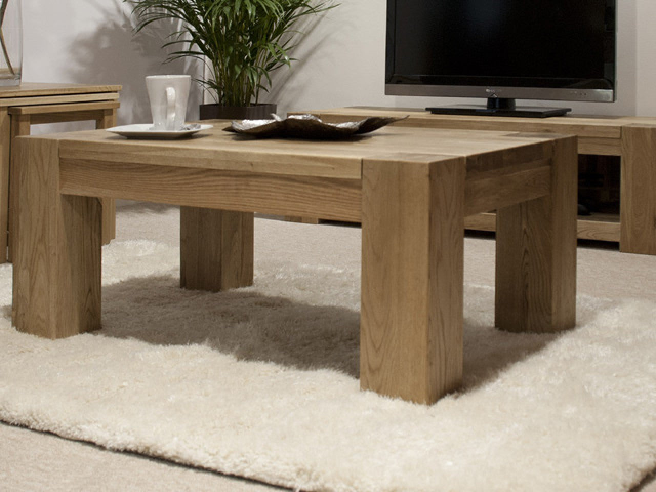 Trend Solid Chunky Oak Large Coffee Table