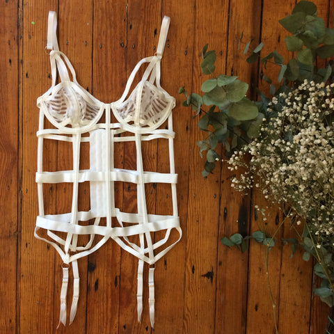 Bluebella bridal ivory collection new in lace chiffon kimono gown bra thong harness body suspender smooth open sexy nightwear spring summer tigerlily basque