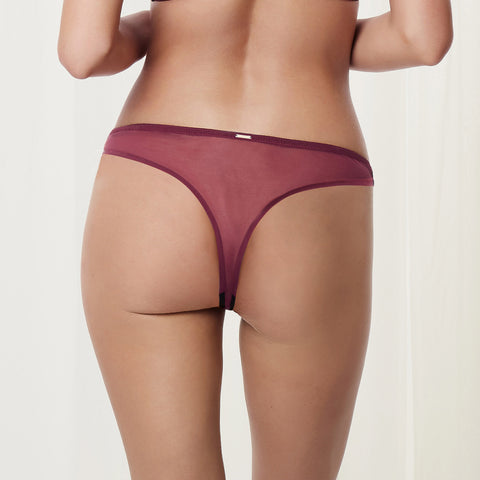 MORE Aviana Thong Cordovan