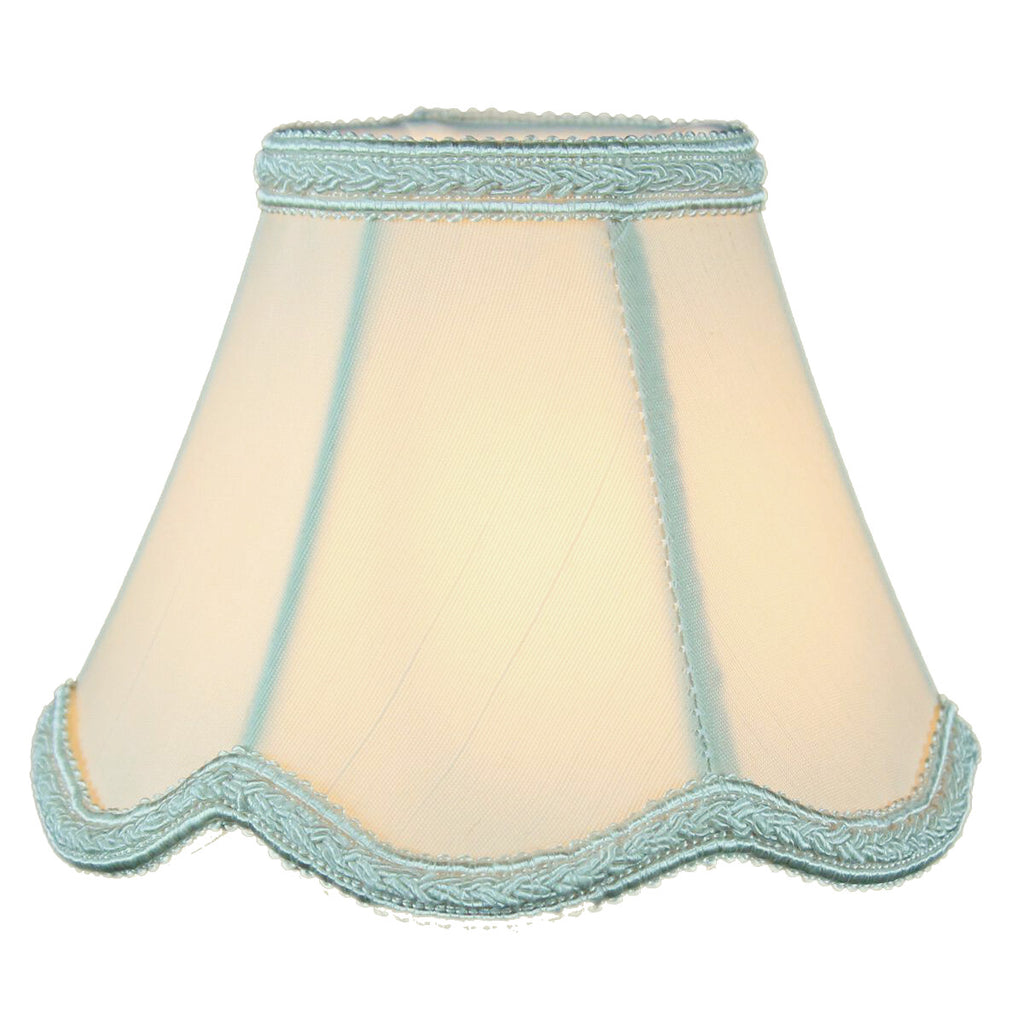 0-003307>2.5x5x4 Crisp Linen Scallop Stretch Clip-on Candelabra Lampshade