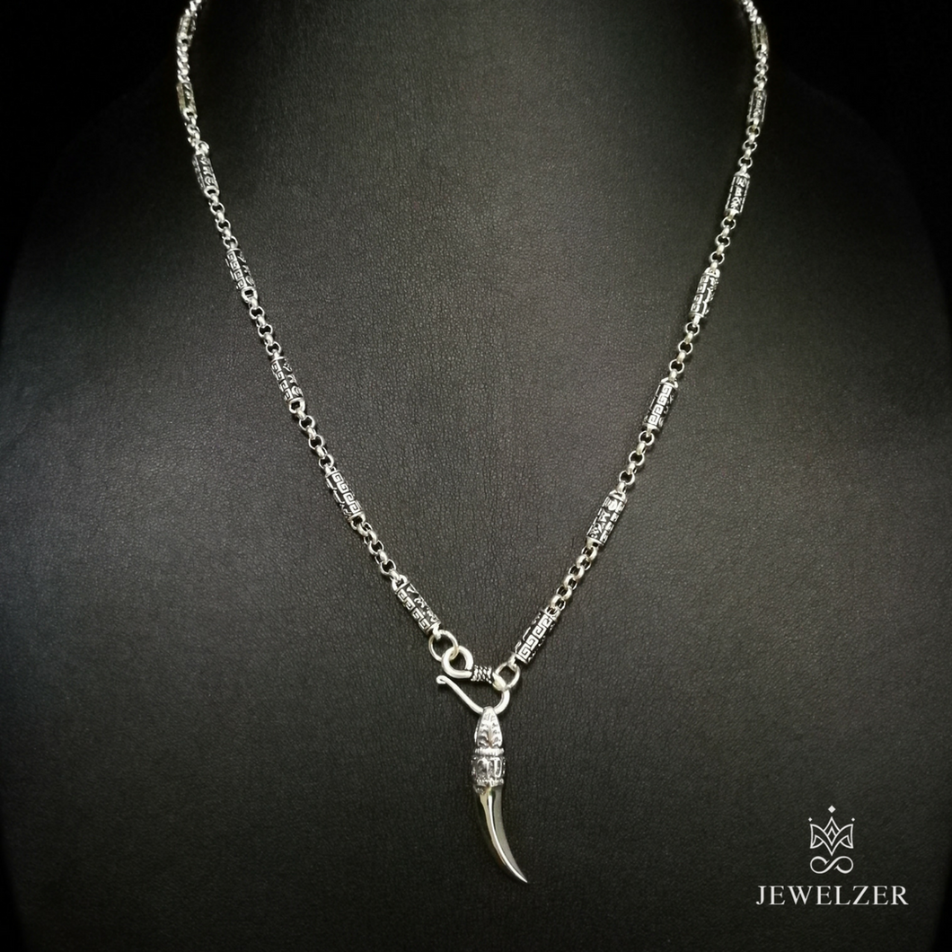 925 Sterling Silver Mandra Chain Necklace with Wolf Tooth Mandra Pendant