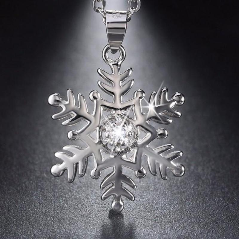 925 Sterling Silver Crystal Snowflake Pendant Necklace