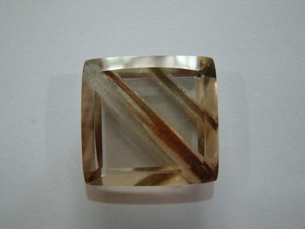 69ct Quartz (Amphibole)