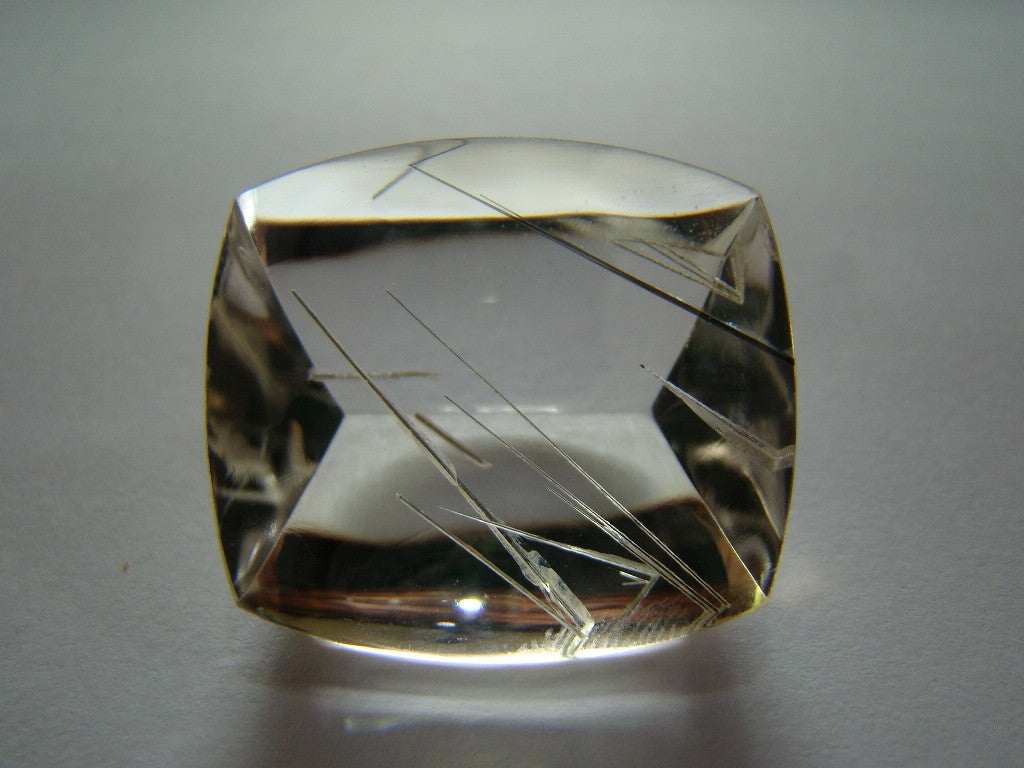 56ct Quartz With Inclusion (Needle)