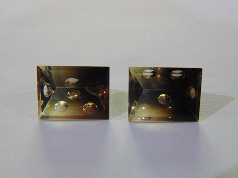 19.30ct Quartz Smoky Pair (Bubble)