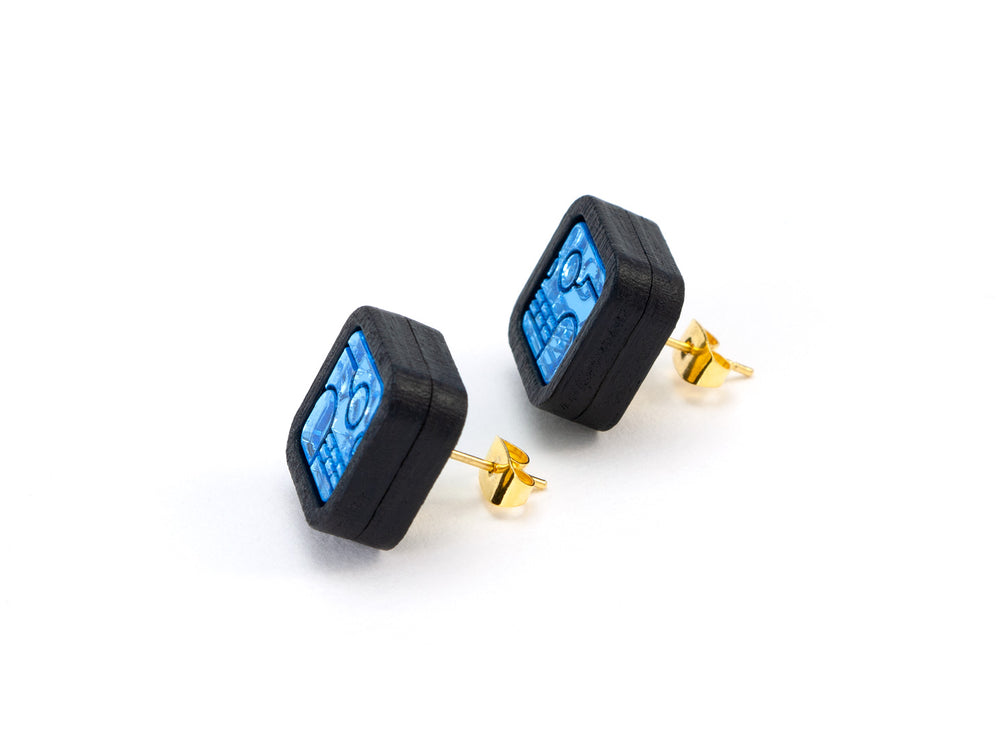 FORM052 KIMI Stud Earrings - Ice Blue