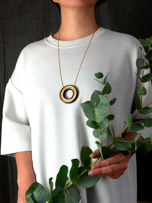 FORM065 PELOTA Necklace - Gold