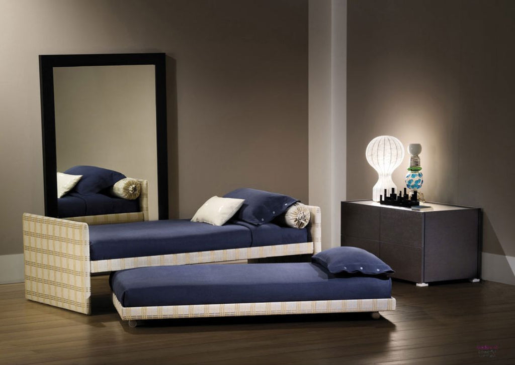 Duetto Bed by Flou for sale at Home Resource Modern Furniture Store Sarasota Florida