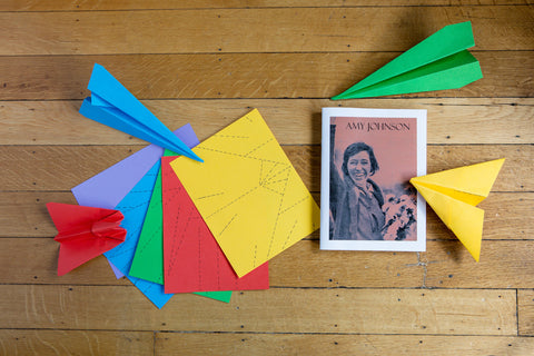 Amy Johnson Activity box (without pilot hat) - Ingenues