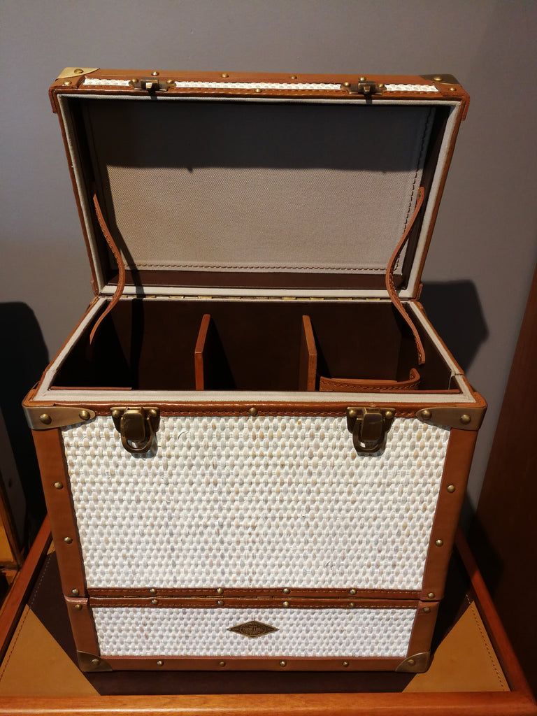 Whiskey Bar Case