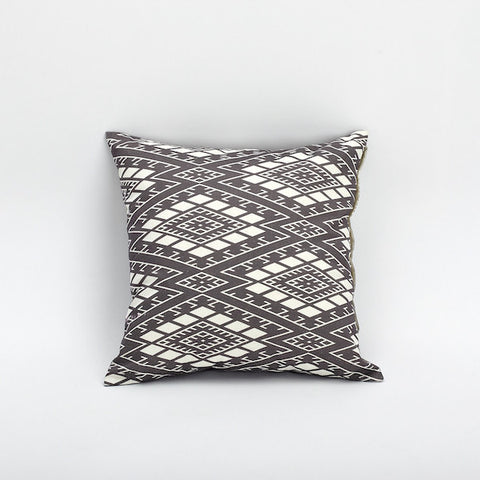 "18"" Chinese Pattern Pillow Cover, Maze"