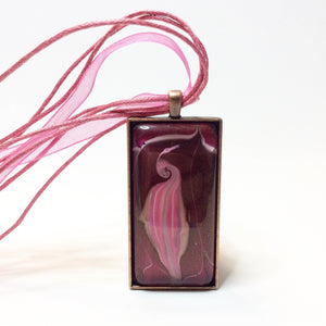 Watermarbled vagina pendant