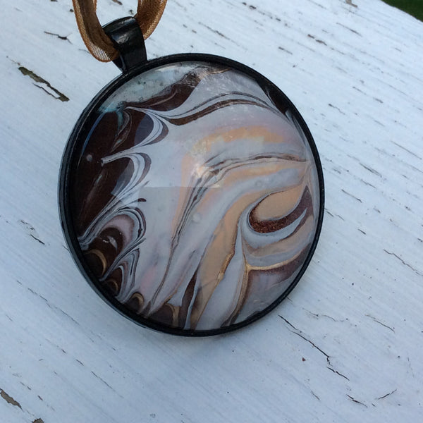 Round Pendant Necklace, Peach Conch Seashell-Jewelry-Fullamoon Designs