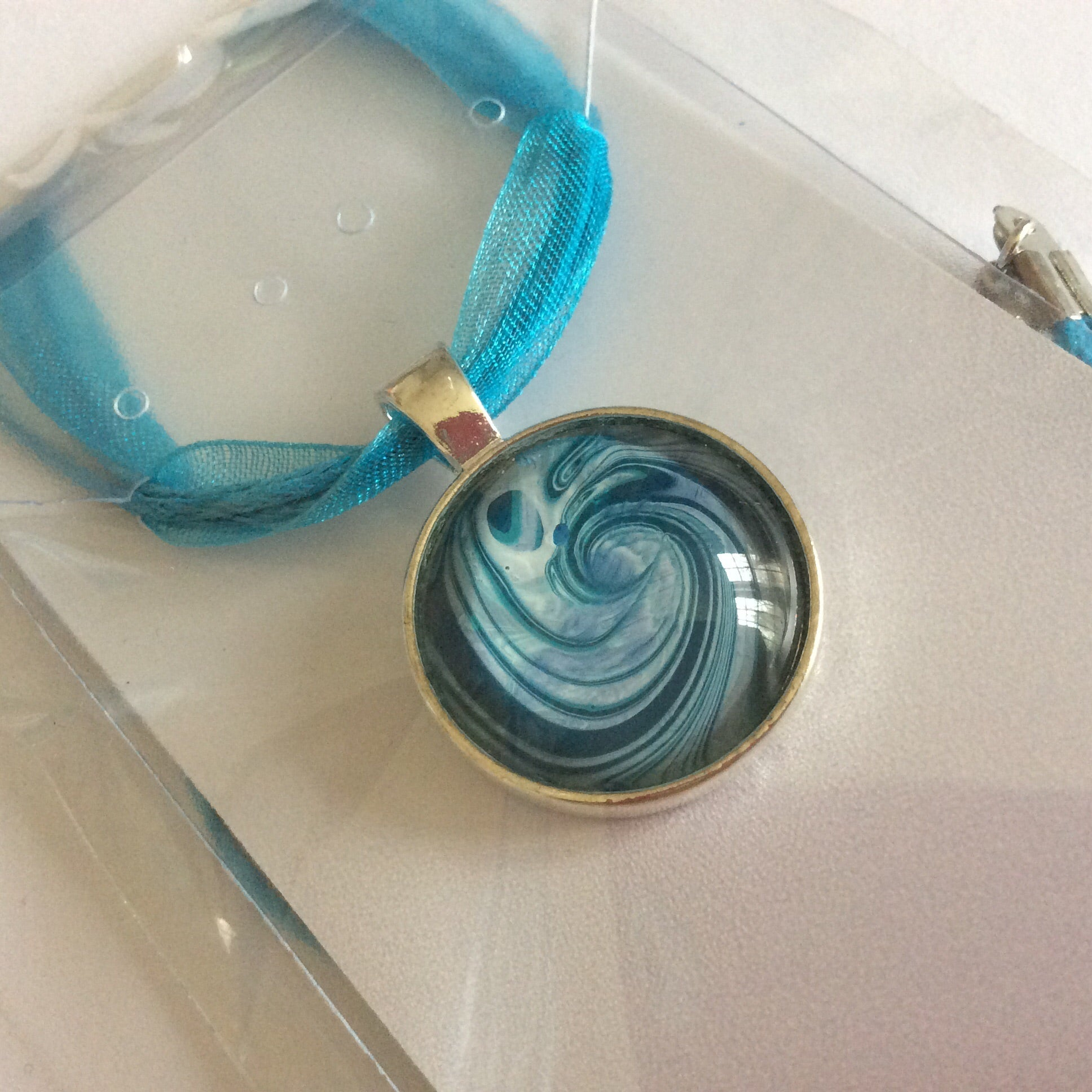 Necklace, Small Swirly Wave Pendant