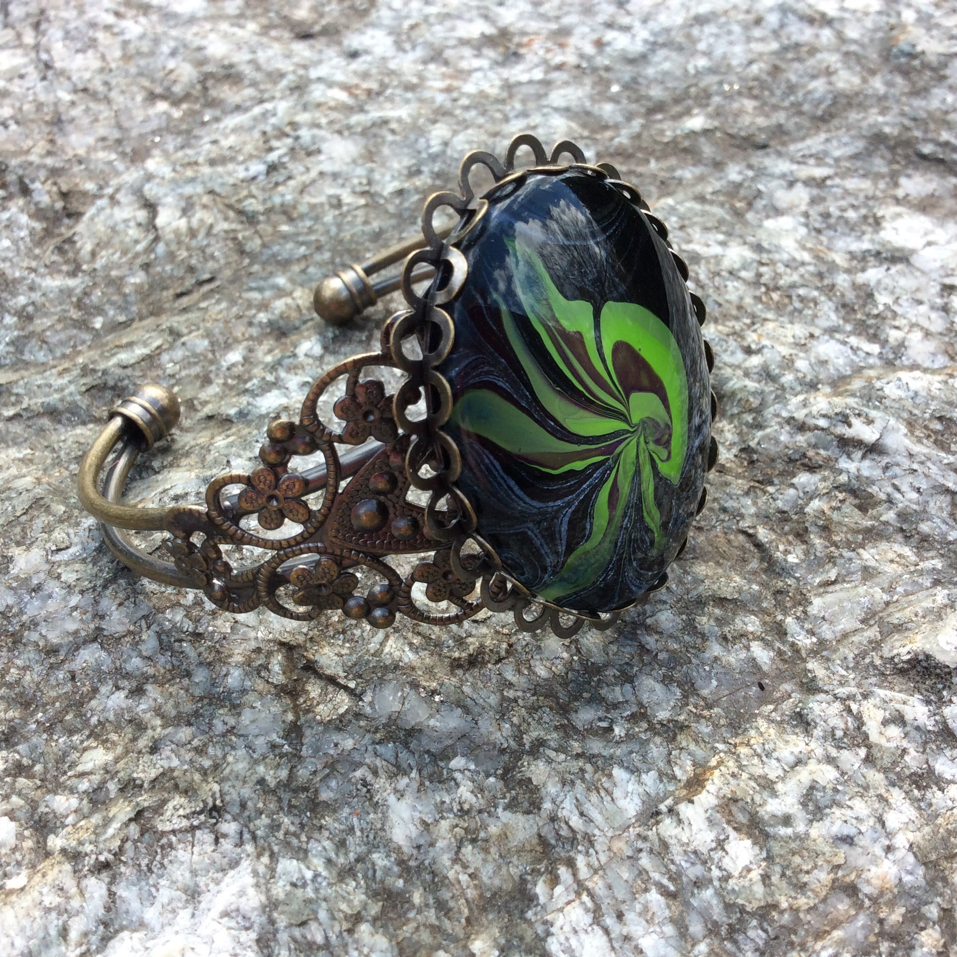 Green Jellyfish, Jellyfish bracelet
