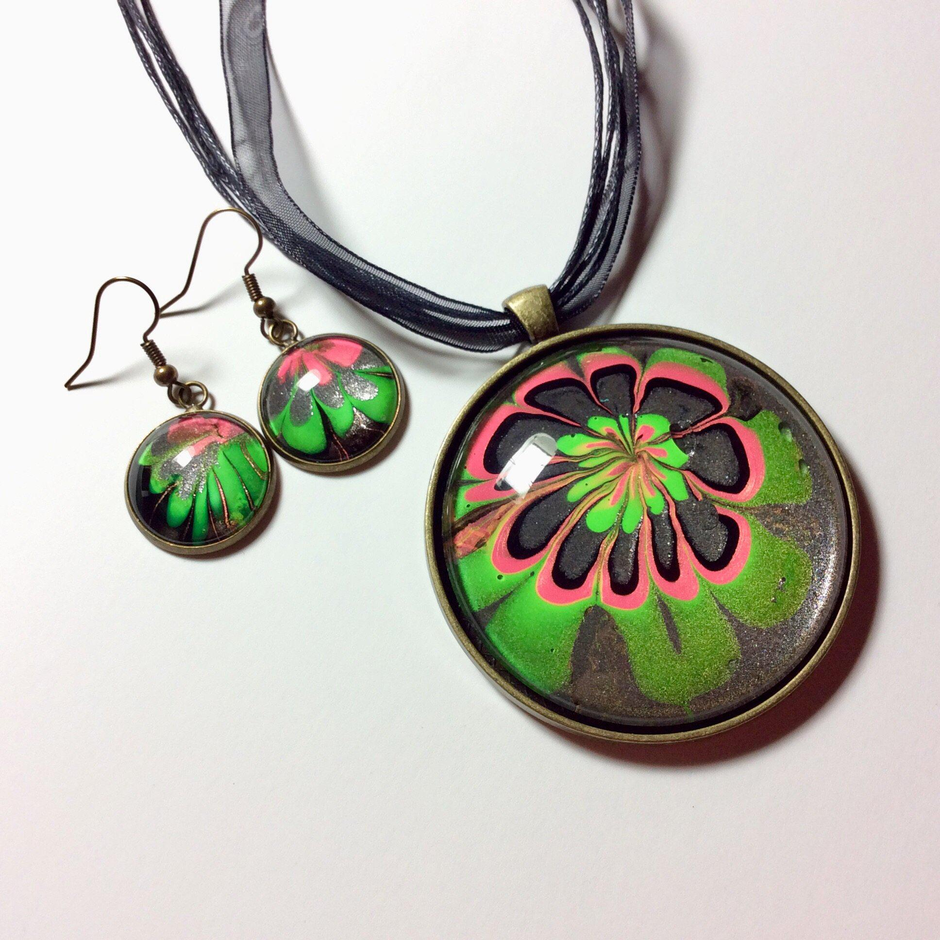 Pendant Necklace and Earring Set, Neon Pink & Green Floral