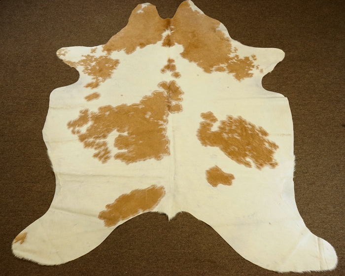Brazilian Pecan Brown with white Rodeo Cowhide rug 7x 5.9ft- 2716 - Rodeo Cowhide Rugs