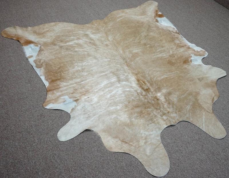 Large Brazilian beige brindle Cowhide rug 6.2x 6.3 ft -3101 - Rodeo Cowhide Rugs