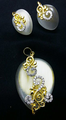 Antique Style Pendant Set