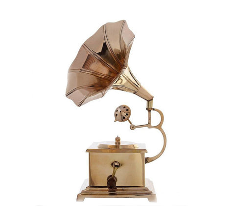 GRAMOPHONE WITH BRASS BASE
