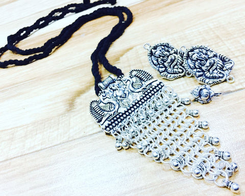 Necksets With Black Dori
