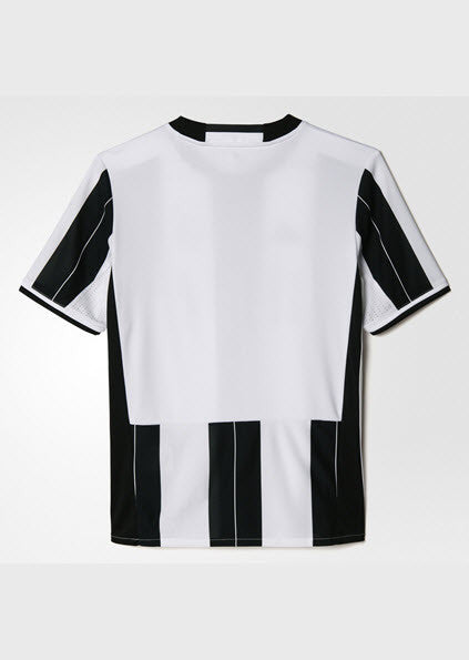 Adidas Juventus Home Replica Jersey Youth White/Black AI6244 Break through the defence in this slim-fit football jersey. A junior boys' version of the one Juventus players wear on their home pitch, it's made with breathable climacool ventilation and finished with a woven Juventus crest on the chest. Ventilated climacoo  Sportstar Pro. 519 Hunter Street Newcastle, 2300 NSW. Australia.