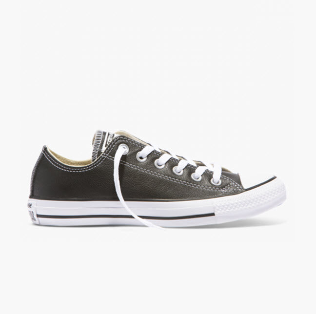 Converse Chuck Taylor All Star Classic Black/White Leather Low Top 132174C