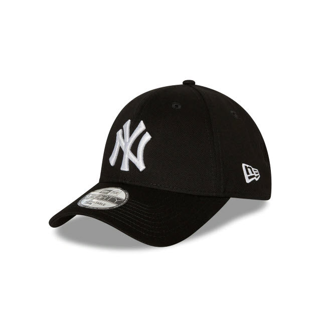 New Era New York Yankees Black 9FORTY Strapback Cap