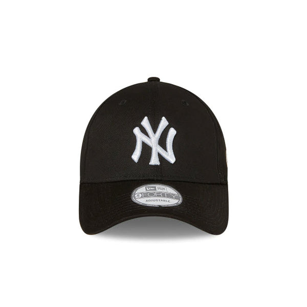 New Era New York Yankees Black 9FORTY Strapback Cap 11195914 Sportstar Pro Newcastle, 2300 NSW. Australia. 2