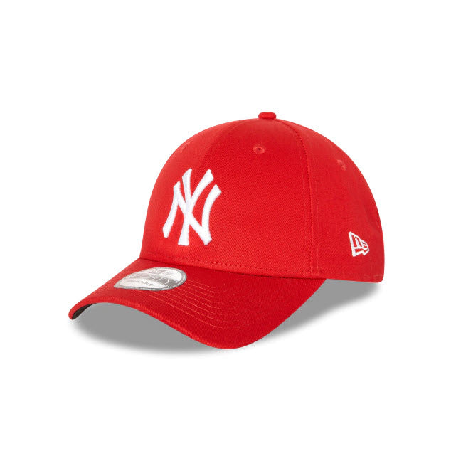 New Era New York Yankees Red 9FORTY Strapback Cap