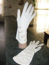 Vintage Cut-Out Dress Gloves White Size S - Couture Service  - 1
