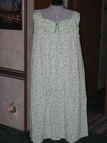 Handmade Green Floral Nightgown, Plus Size XL - Couture Service  - 1