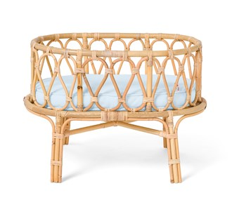 Poppie Toys Rattan Dolls Crib/Basinett - Baby Blue