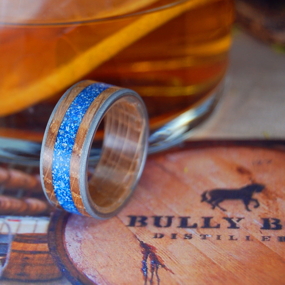 BULLY BOY DRINKS ON THE BEACH | Whiskey Barrel Wood Titanium Wedding Rings - Minter and Richter Designs