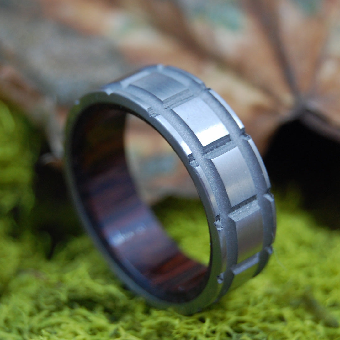 CROSSCUT PALM | Titanium & Wood Wedding Band - Unique Men's Ring