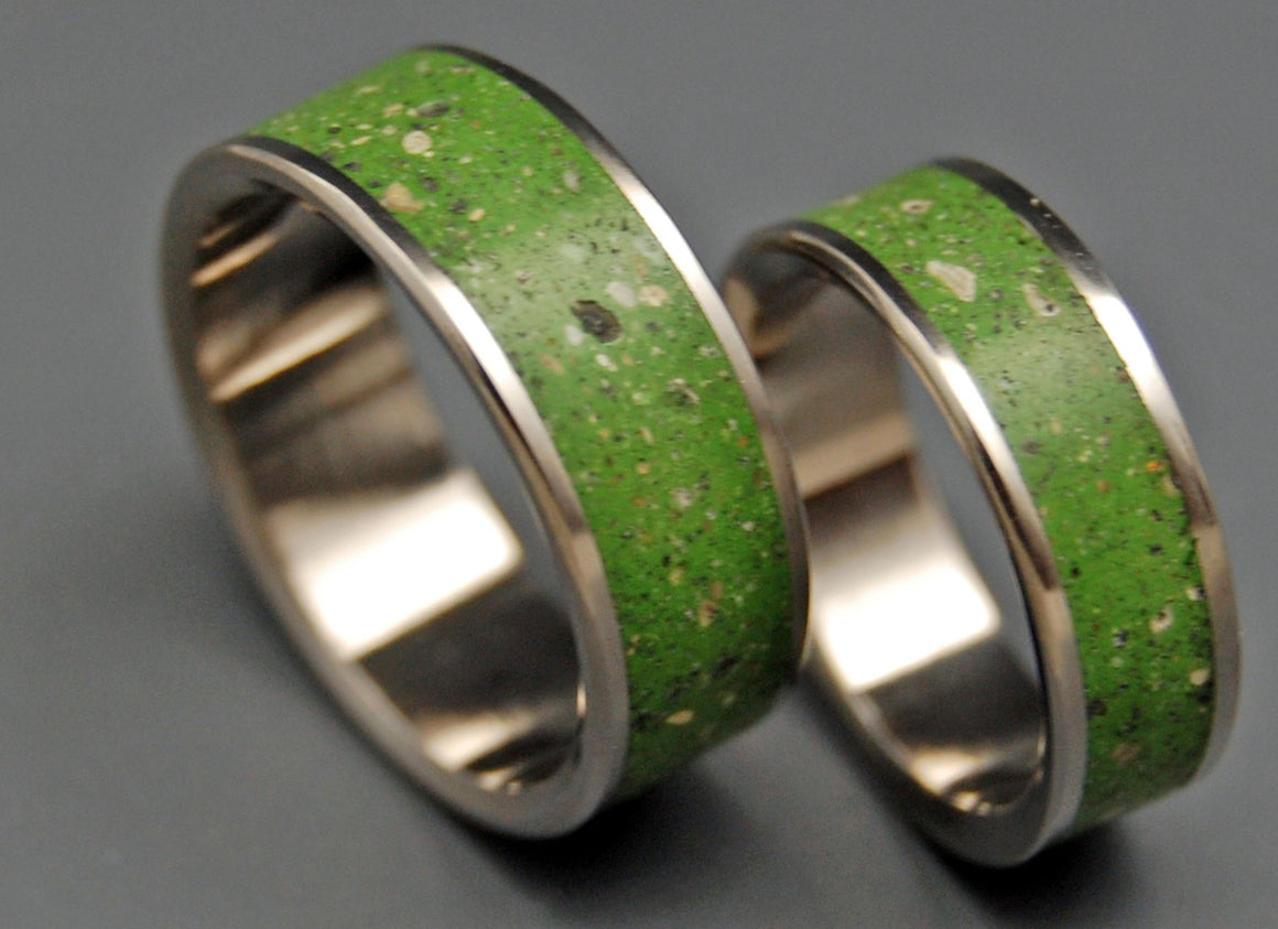 ECO BLISS | Green Beach Sand & Concrete - Titanium Wedding Rings set - Minter and Richter Designs