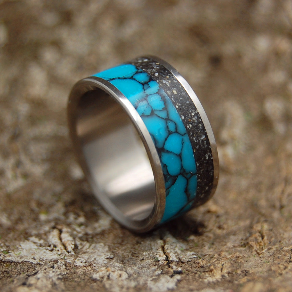 Icelandic Wedding Ring - Black Icelandic Beaches | THE UNIVERSE YOU FILL