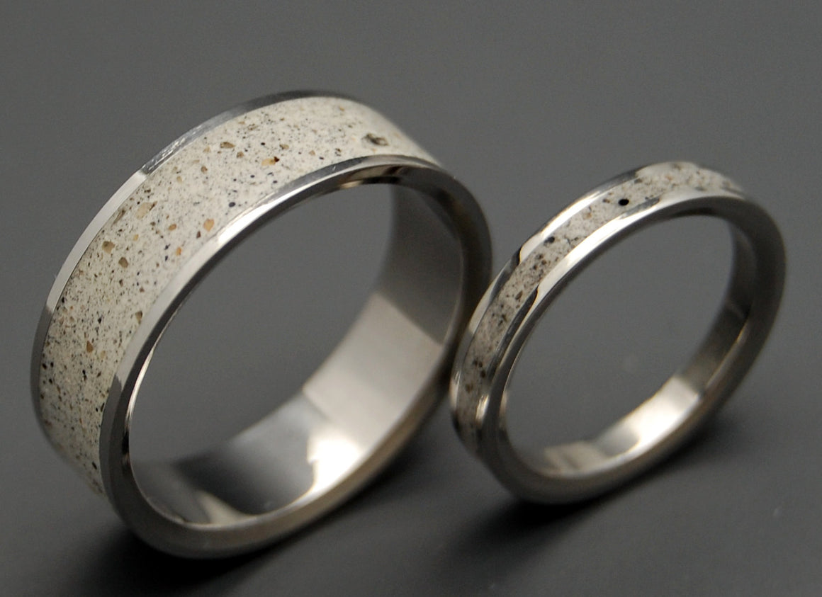 BED ROCK BEAUTY | Beach Sand & Titanium Wedding Rings Set - Minter and Richter Designs