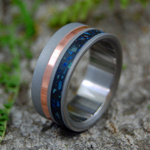 Black Beach Sand Wedding Ring - Concrete Azurite Titanium Ring | BLACK BEACH SAND AND AZURITE COPPER