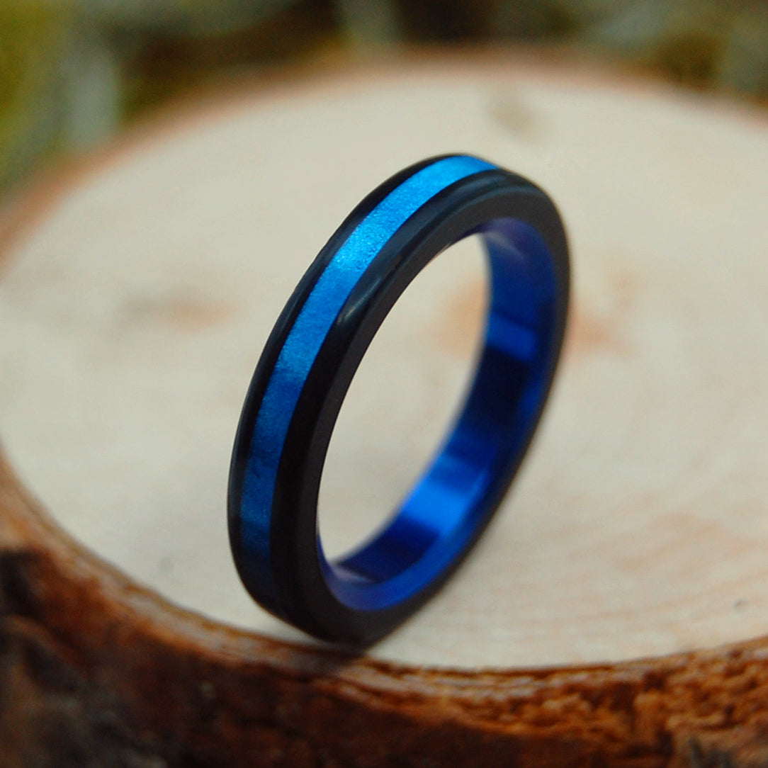 BLUE AVEC BLACK | Blue Marbled Opalescent Resin - Unique Wedding Rings - Minter and Richter Designs