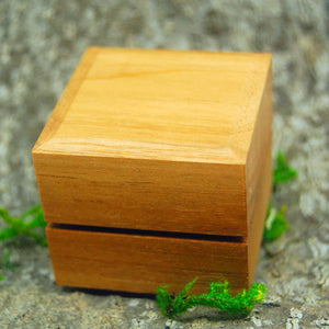 CHERRY WOOD RING BOX | Wedding Ring Box for one Ring - Minter and Richter Designs