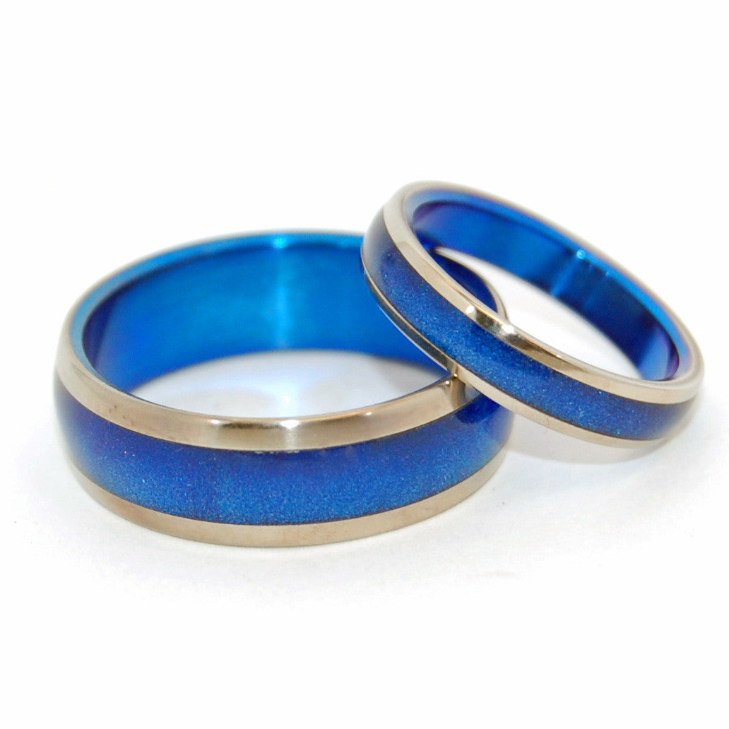 Duomo Blue Star | Blue Domed Titanium Wedding Band Set