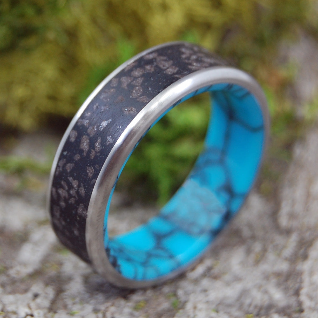 ICELANDIC DIAMOND BEACH |  Turquoise and Icelandic Beach Sand Titanium Wedding Rings - Minter and Richter Designs