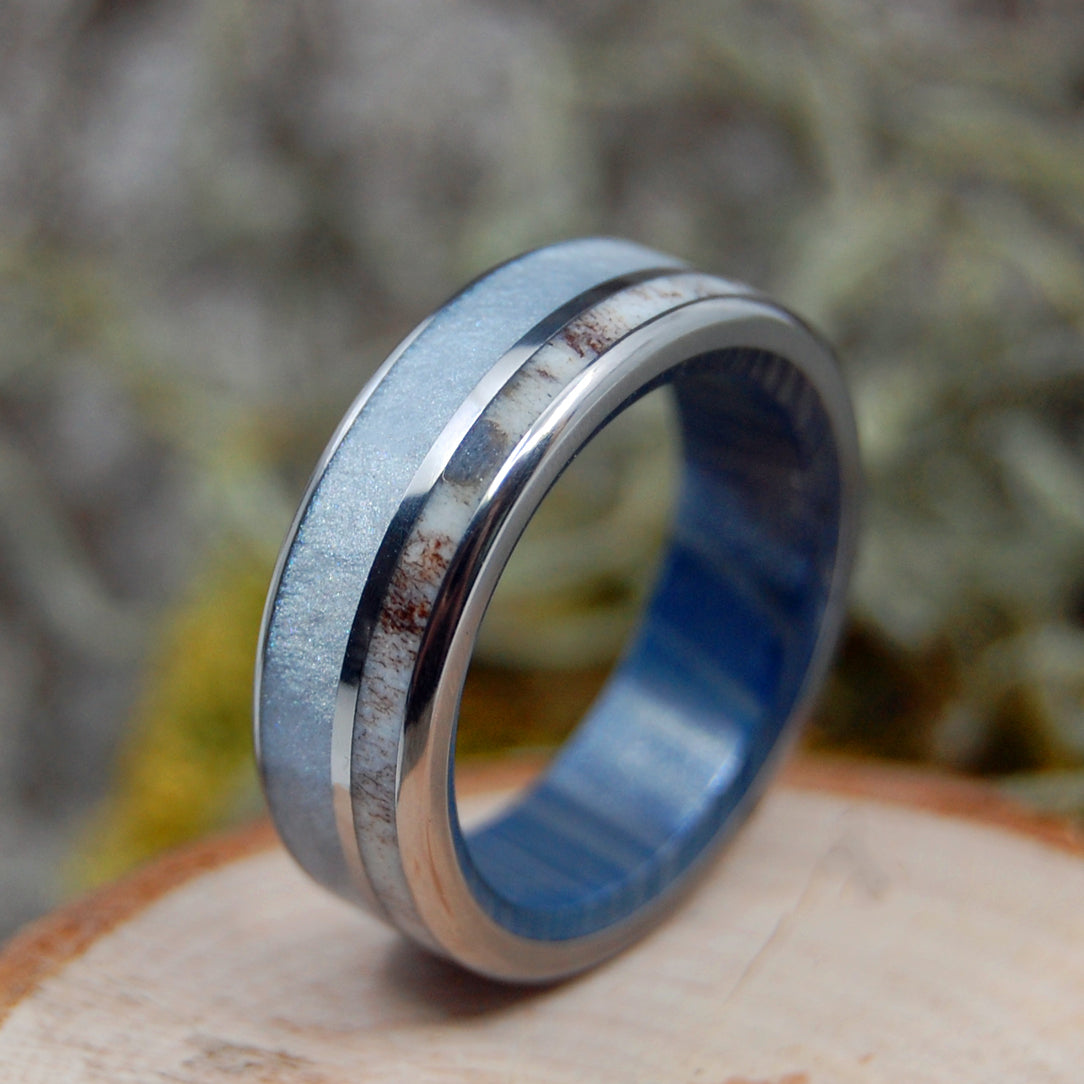 MOOSE THROUGH FOG | Moose Antler & Gray Pearl - Antler Wedding Rings - Minter and Richter Designs