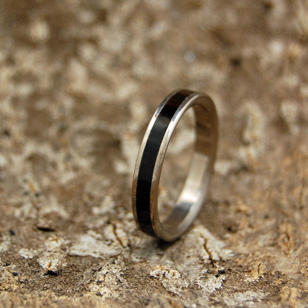 Onyx Stone Beam of Darkness | Handcrafted Women's Titanium Wedding Rings