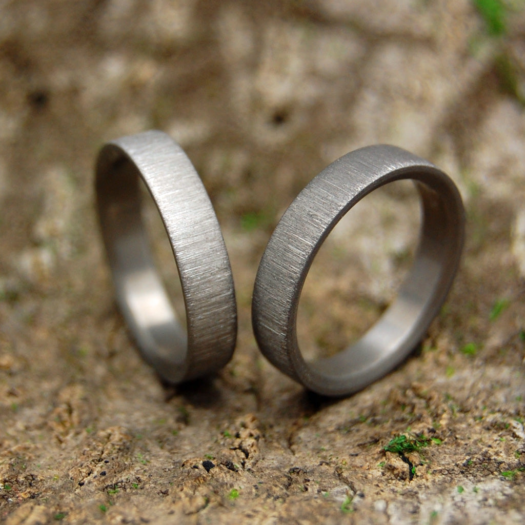 Titanium Wedding Ring Set | SLIM SLEEK VERTICAL STROKE