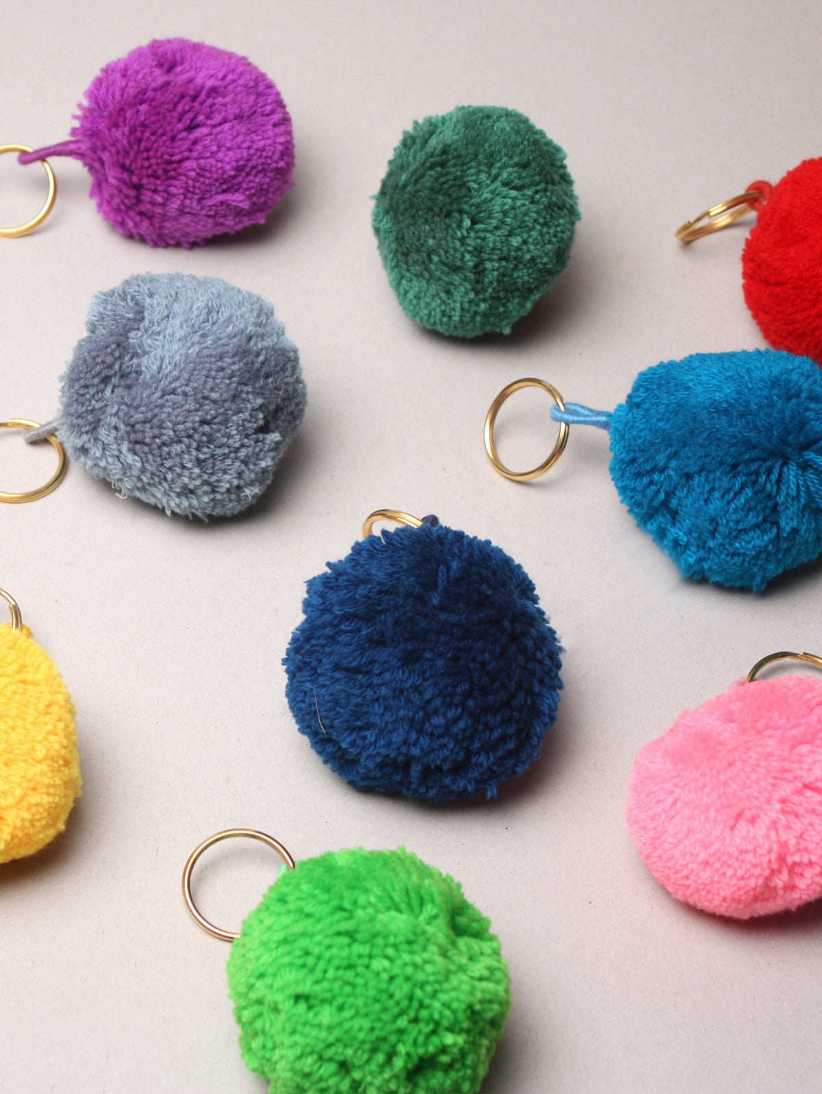 Pom Pom Basic Keyrings, Grey